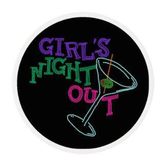 Noche de los chicas hacia fuera que hiela el