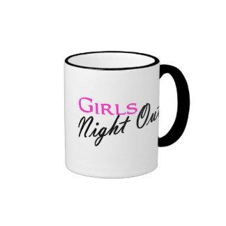 Noche de los chicas hacia fuera taza de dos colores