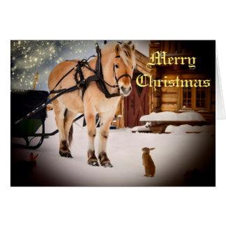 Noche de navidad estrellada en la granja con el tarjeta pequeña