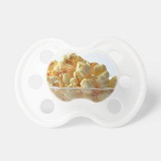 noche de película de los snacks de las palomitas chupetes de bebé