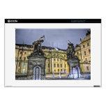 Noche del castillo de Praga de la puerta de Matías Calcomanía Para 38,1cm Portátil