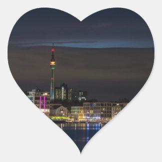 Noche del horizonte de Dortmund, Alemania Pegatina En Forma De Corazón