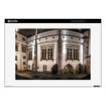 Noche del palacio del castillo de Praga Calcomanía Para Portátil
