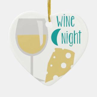 Noche del vino adorno navideño de cerámica en forma de corazón