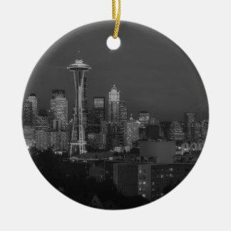 Noche en la Seattle Adorno Navideño Redondo De Cerámica