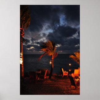 Noche en una isla tropical posters