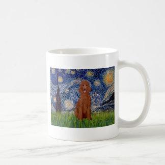 Noche estrellada - caniche estándar rojo oscuro #1 taza de café