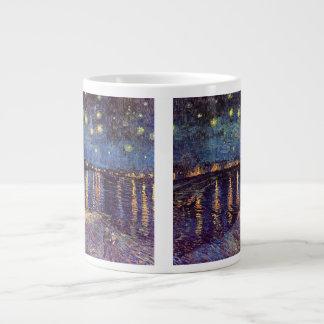 Noche estrellada sobre el Rhone, bella arte de Van Taza De Café Gigante