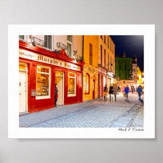 Noche hacia fuera en los Pubs en Galway Irlanda - Póster