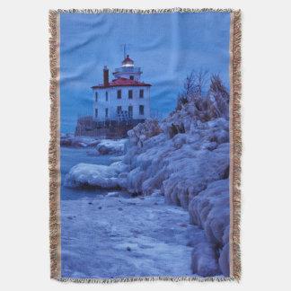 Noche hivernal, helada en el faro del puerto de manta