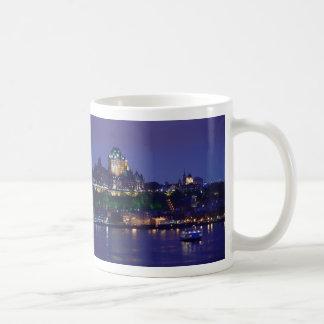 Noche la ciudad de Quebec del hotel del castillo Taza Clásica