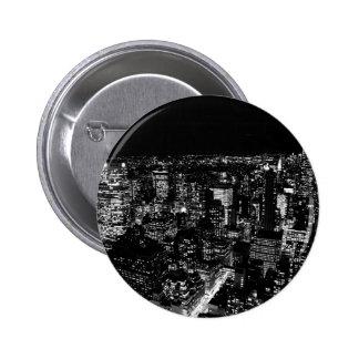 Noche negra y blanca de New York City Pin Redondo De 2 Pulgadas