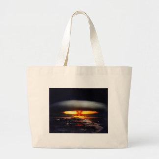 noche nuclear shot.jpg bolsa de mano
