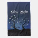 Noche silenciosa de los árboles estrellados toalla de cocina