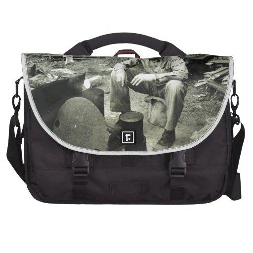 Nómada en la hoguera - 1939. bolsas para portatil