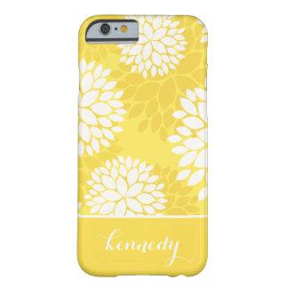 Nombre amarillo del monograma del estampado de funda de iPhone 6 barely there
