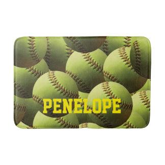 Nombre amarillo del softball en texto amarillo