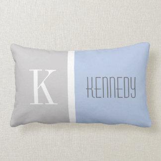Nombre azul en colores pastel gris del monograma almohadas