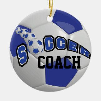 Nombre azul marino del balón de fútbol el | el | adorno navideño redondo de cerámica