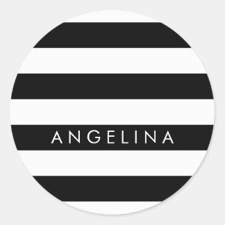Nombre blanco y negro del personalizado del modelo pegatina redonda