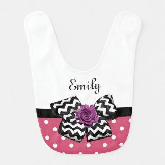 Nombre color de rosa púrpura del bebé del arco de baberos de bebé