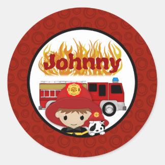 Nombre dálmata 2 del FUEGO del coche de bomberos Etiqueta Redonda