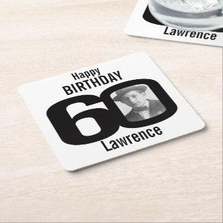 Nombre del feliz cumpleaños 60.o y prácticos de