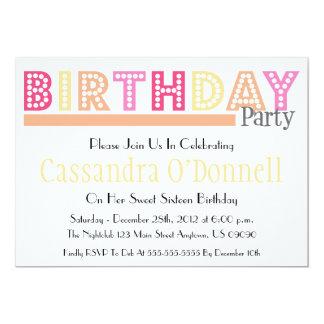 Nombre en las invitaciones de la fiesta de anuncio