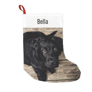Nombre negro personalizado de la foto del perro calcetín navideño pequeño
