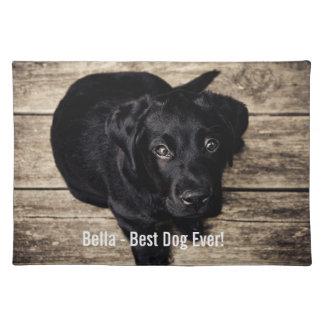 Nombre negro personalizado de la foto del perro manteles individuales
