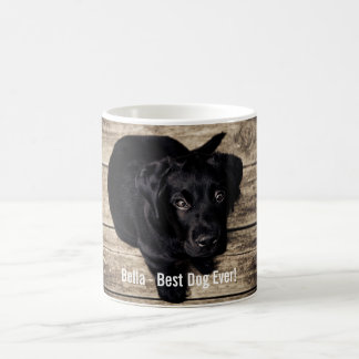 Nombre negro personalizado de la foto del perro taza