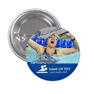 Nombre personalizado del nadador y del equipo de pin redondo de 1 pulgada