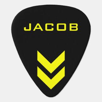 Nombre personalizado negro y amarillo plumilla de guitarra
