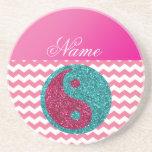 Nombre personalizado ying los galones rosados de y posavasos personalizados
