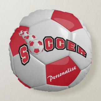 Nombre rojo oscuro del balón de fútbol el   DIY Cojín Redondo