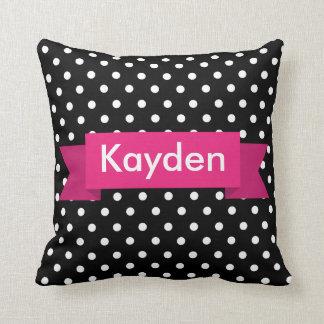 Nombre rosado blanco negro del personalizado del almohada