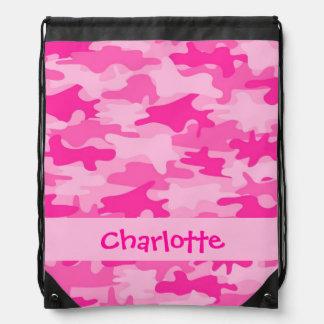 Nombre rosado fucsia del camuflaje personalizado mochilas