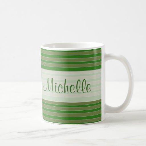 nombre verde de las rayas taza de café