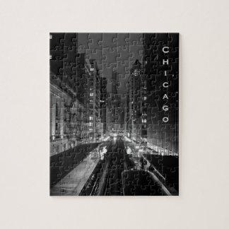 Nombre vertical céntrico de la ciudad de Chicago Rompecabeza