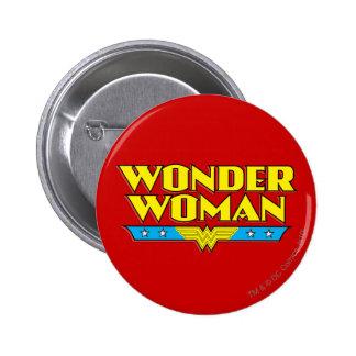 Nombre y logotipo de la Mujer Maravilla Pin Redondo De 2 Pulgadas