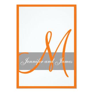 """Nombres anaranjados grises del monograma de la invitación 5"""" x 7"""""""
