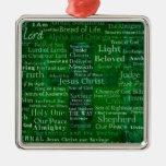 Nombres y títulos de Jesús con la cruz verde Adorno