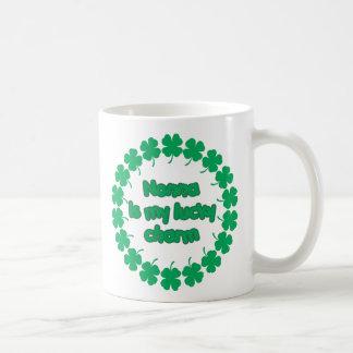Nonna es mi encanto afortunado taza de café