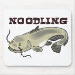 Noodling del siluro tapetes de ratón