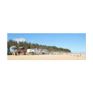 NORFOLK BEACH-HUTS 2 CANVAS PRINT