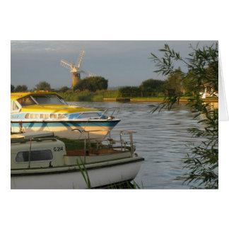 Norfolk Broads - tarjeta de felicitaciones en blan