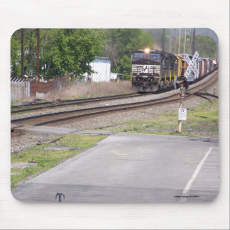 Norfolk Southern C-40-9W #9265 at Macungie Pa. Mouse Pad