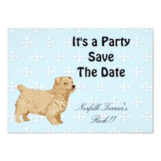 """Norfolk Terrier - azul con el diseño blanco del Invitación 4.5"""" X 6.25"""""""