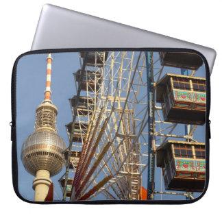Noria con la torre de Berlín TV, Alex, Alemania Fundas Computadoras