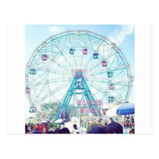 Noria de Coney Island Wonderwheel en verano Postales